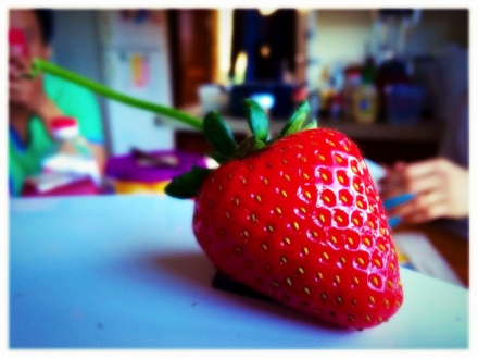 A big and delicious strawberry that I got from Berlington farm (Photo: Luc Dang)